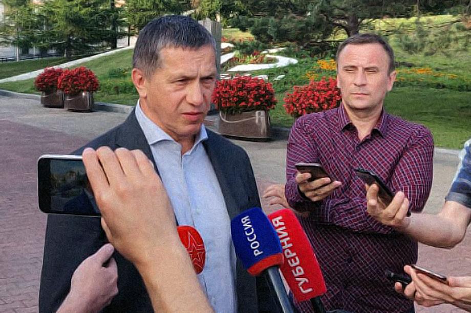 Юрий Трутнев приехал в Хабаровск, чтобы убедиться в стабильной работе властей региона в отсутствие губернатора Сергея Фургала, арестованного по делу об организации убийств.