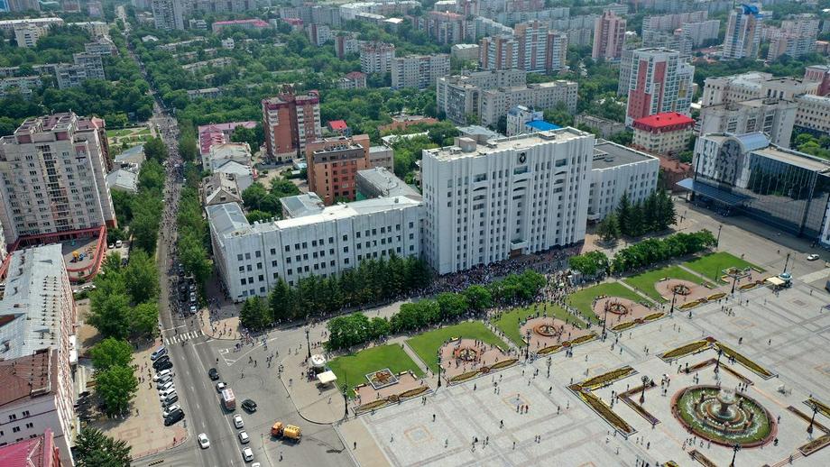 Центральная площадь Хабаровска спустя час после начала митинга.