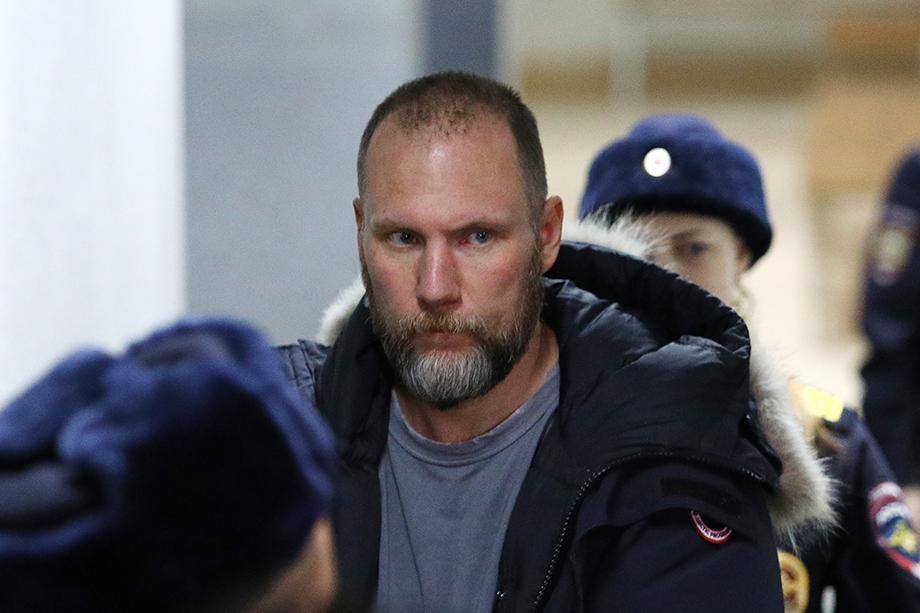 Кызласову во время домашнего ареста запрещено общаться с участниками по уголовному делу, а также пользоваться телефоном и интернетом.