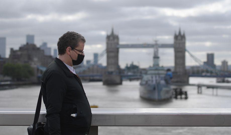 По числу увольнений офисных работников Великобритания заметно опережает своих европейских соседей.