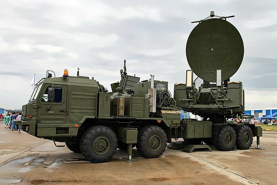 Россия разрабатывает и средства борьбы с СВЧ-оружием. Среди прочего комплекс РЭБ «Красуха-20» обладает и возможностями защиты от СВЧ-технологий.