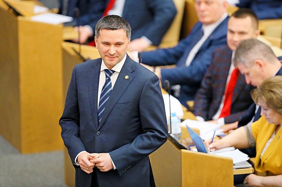Минприроды и нынешний его глава Дмитрий Кобылкин постоянно срывают обращения Госдумы и даже поручения президента и премьера, а также являются одним из самых больших должников в правительстве по количеству невнесённых законопроектов и поправок к ним.