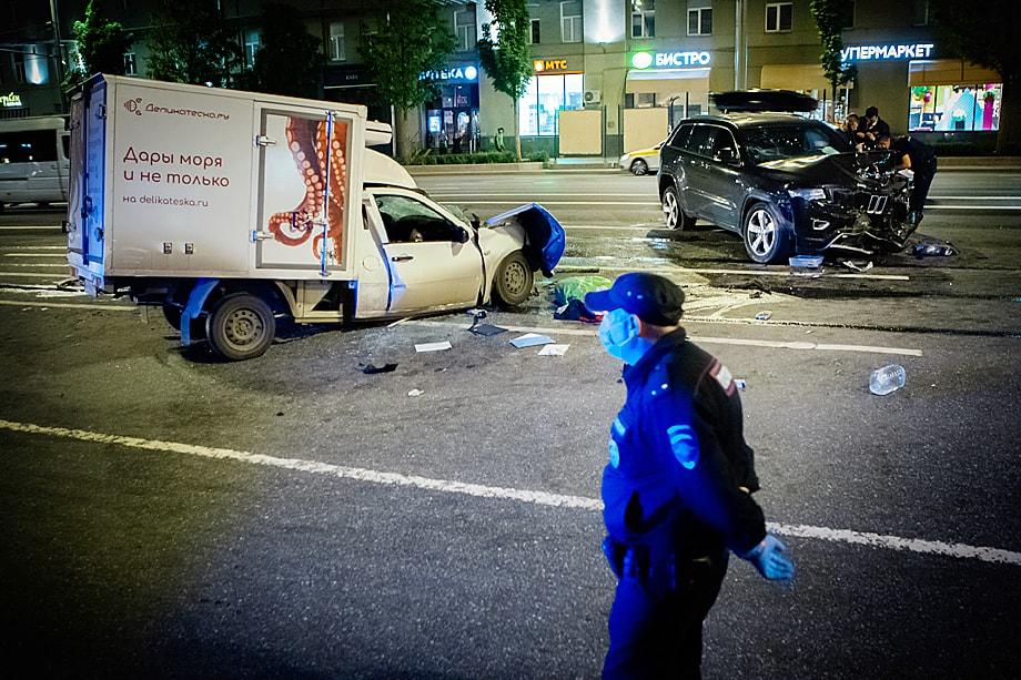 Громкое дело Михаила Ефремова о пьяном ДТП с летальным исходом всколыхнуло страну и заставило задуматься в очередной раз о решении проблемы вождения в нетрезвом виде.