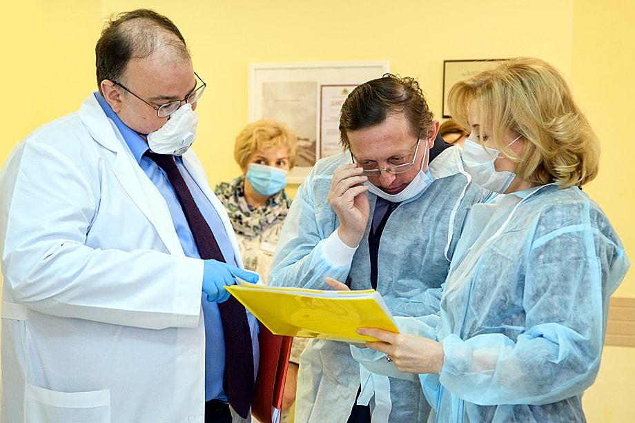 Неточная статистика по коронавирусу стала поводом для отставки министра здравоохранения Свердловской области Андрея Цветкова.