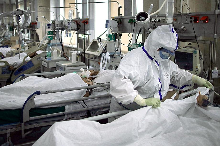 Кислород же, которым пытались спасать тяжёлых больных, просто выжигал лёгкие.