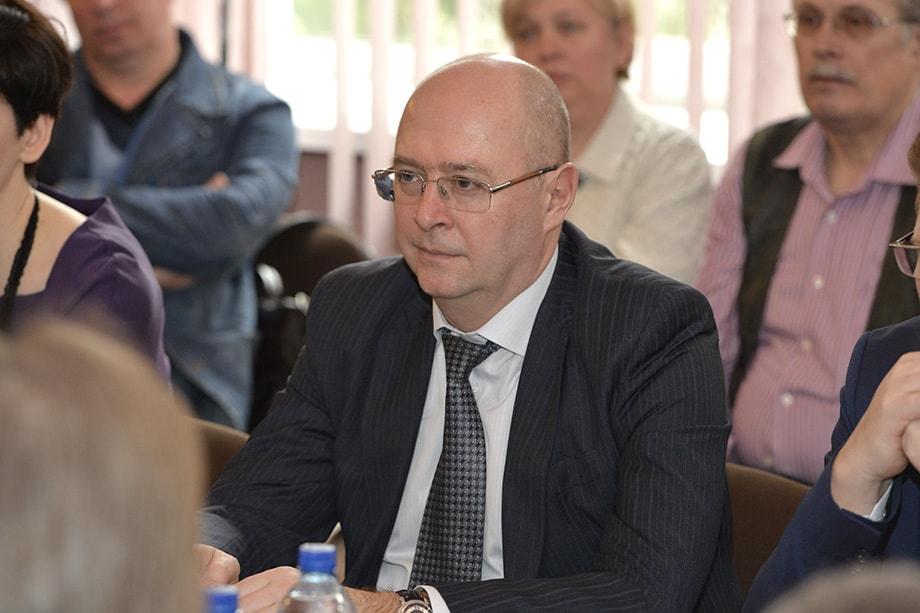 По всей вероятности, начальник управления президента по обеспечению деятельности Госсовета РФ Александр Харичев покинет свой пост.