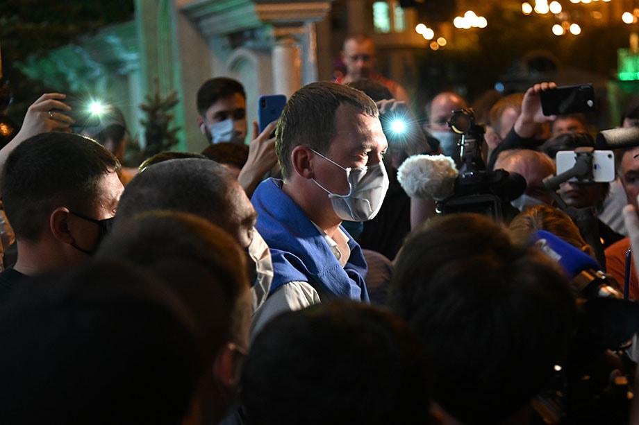 Вопреки ожиданиям Михаил Мишустин не посетил сегодняшнюю самую горячую точку ДВФО – Хабаровск. А ведь его поддержка молодому врио Сергею Дертярёву (на фото) так необходима.