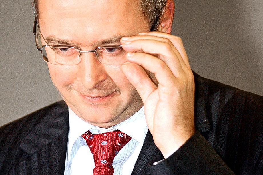 Не секрет, что ярославского губернатора поддерживает глава управления президента по обеспечению деятельности Госсовета Александр Харичев (на фото).