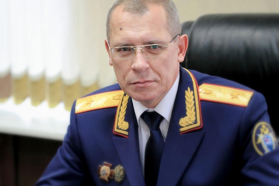 В кулуарах считают, что причиной таких рокировок вполне могла стать отставка в 2017 году руководителя СУ СК РФ по Ульяновской области Алексея Евдокимова.