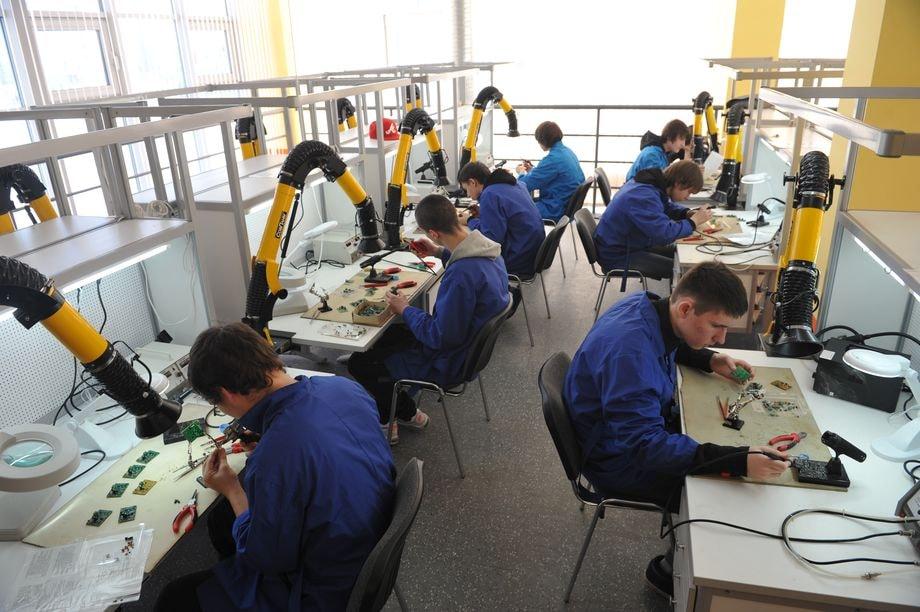 """Cергей Комков: «В Европе, имея диплом о среднем профессиональном образовании, гораздо проще найти оплачиваемую работу, нежели специалисту с """"вышкой""""»."""