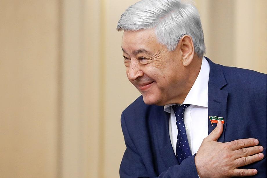 Разглашение пенсионной надбавки председателя Госсовета Татарстана Фарида Мухаметшина немного «освежило» местную избирательную кампанию.