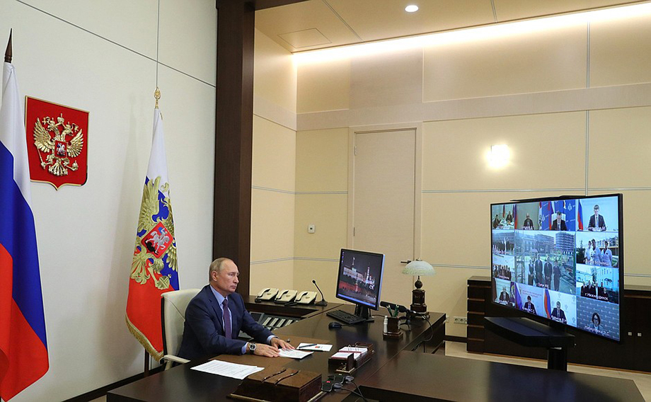 В Тулуне и Нижнеудинске открылись школы, новые и отремонтированные отделения больниц.