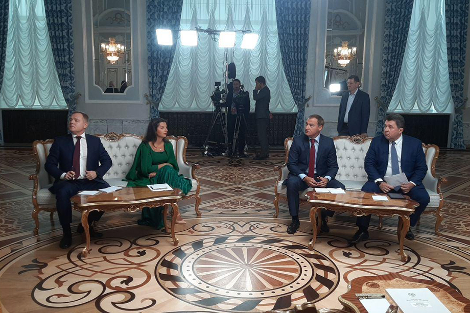 Белорусский лидер ответит на самые острые вопросы представителей российских СМИ.