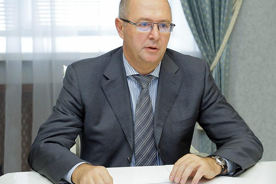 Особенно много вопросов к Харичеву было в 2018 году, когда выборы главы Приморского края были признаны несостоявшимися.