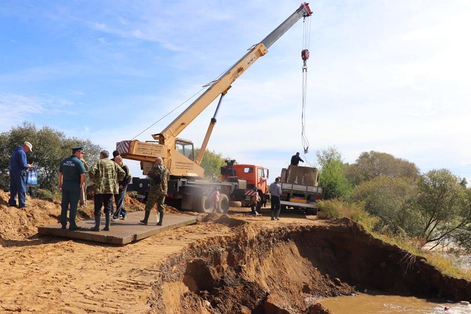 Паводки на реке Амур и других водоёмах затронули 12 населённых пунктов, 19 участков поселковых дорог и дорог местного значения.