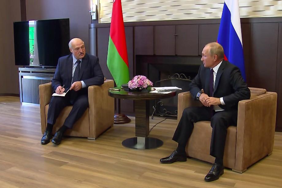 Лидеры России и Белоруссии общались без прессы и не стали делать заявлений после переговоров в Сочи.