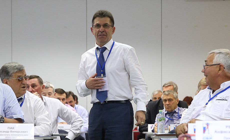 Александр Кравцов занимал пост главы Союза биатлонистов России с 2014 по 2018 годы.