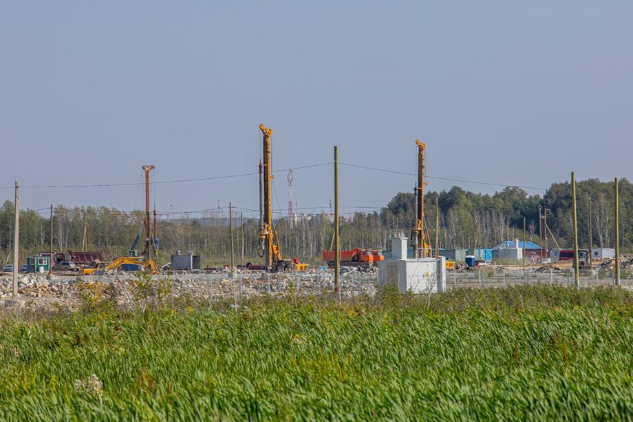 Площадка строительства будущей деревни Универсиады выглядела в конце этого лета так.