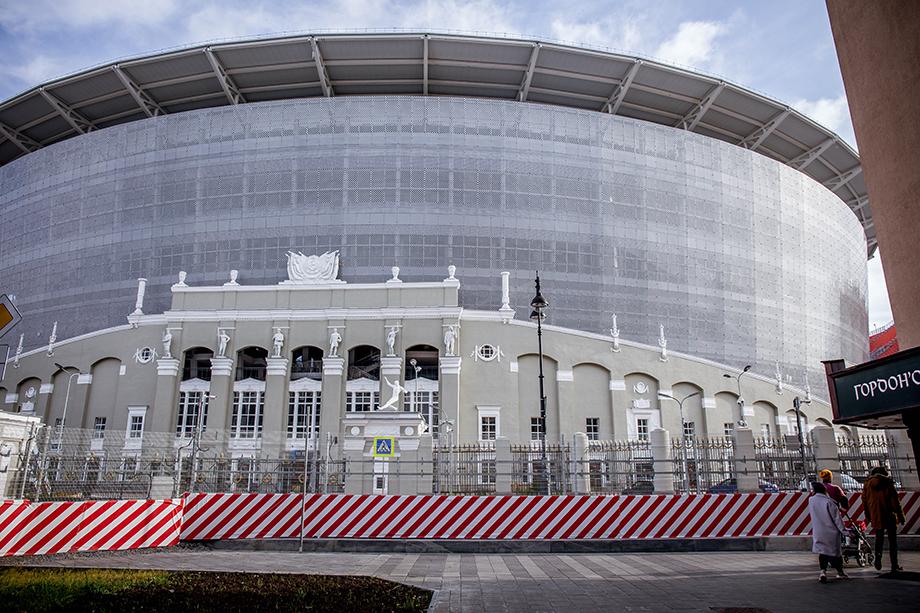 Стоимость реконструкции «Екатеринбург Арена», где «Синара-Девелопмент» выступала генподрядчиком, выросла с заявленных 6 до 12,7 млрд рублей.