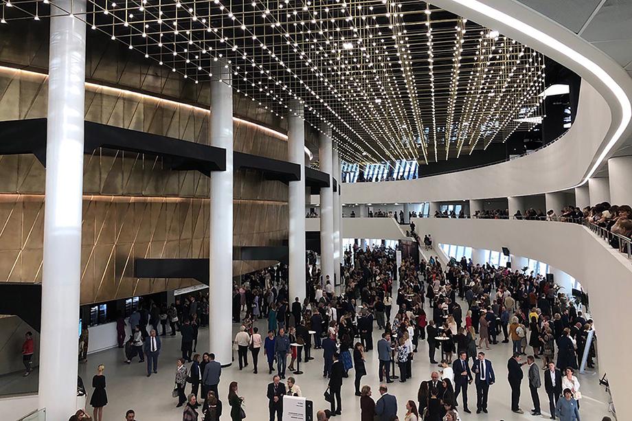 Ну и рекордсмен по скорости удорожания строительства – ещё один проект, отданный «Синара-Девелопмент», – конгресс-холл международного выставочного центра «Екатеринбург-Экспо».