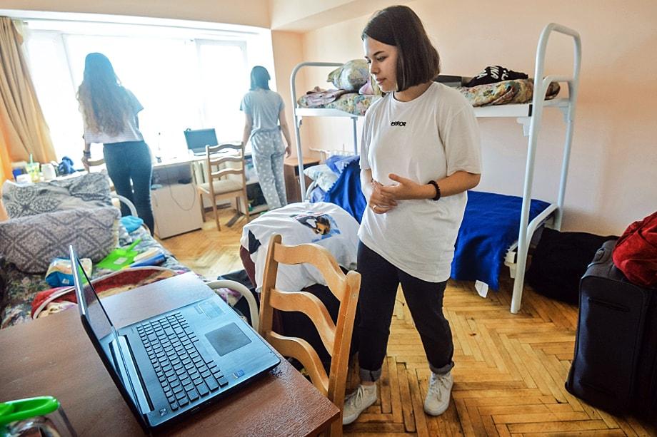 Почти все учебные заведения ввели запрет на посещение общежитий гостями.