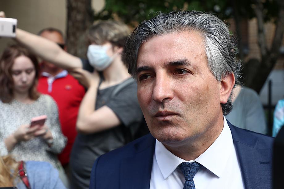 Экс-защитника Михаила Ефремова уличили в нарушении адвокатской этики.