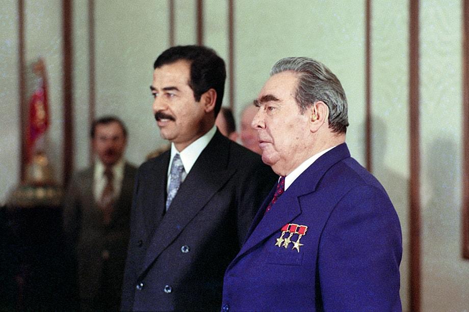 Хусейна поддержали две всегда враждовавшие между собой державы – СССР и США. Историческому «объединению» способствовала боязнь экспорта исламской революции.