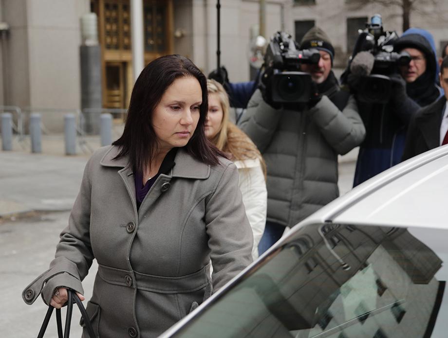 Бывшая сотрудница FinCEN Натали Эдвардс передала СМИ документы, раскрывающие международные схемы отмывания денег.