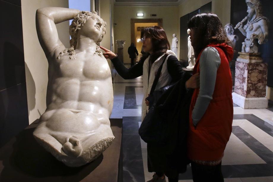 Обвинения в продаже «итальянского культурного наследия исламу» и в «культурной капитуляции» не заставили себя ждать.