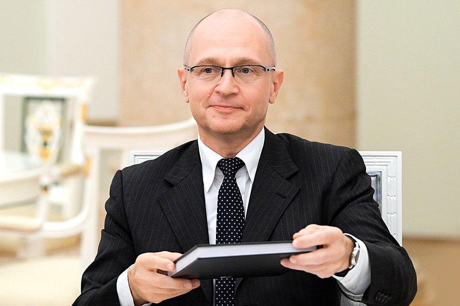 Своей политической стойкостью Морозов обязан хорошим отношениям с Сергеем Кириенко.