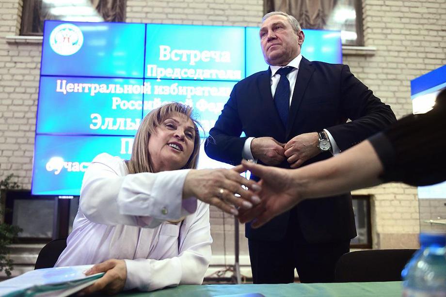 По словам председателя Центризбиркома Эллы Памфиловой, пока необходимо подождать реакцию регионального подразделения на постановление.