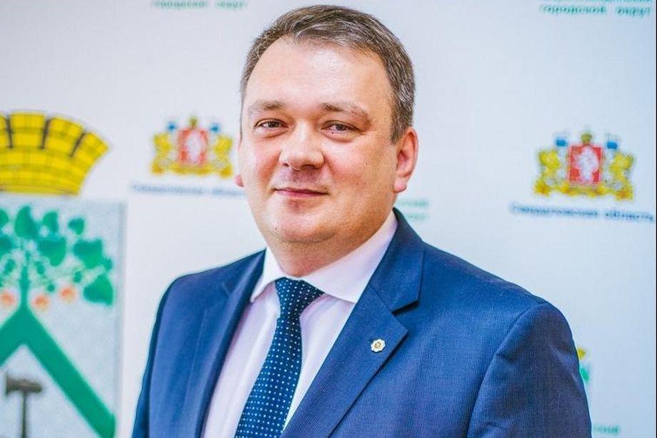 В начале июля Михаил Савченко отказался уходить в отставку и отозвал соответствующее заявление из гордумы.