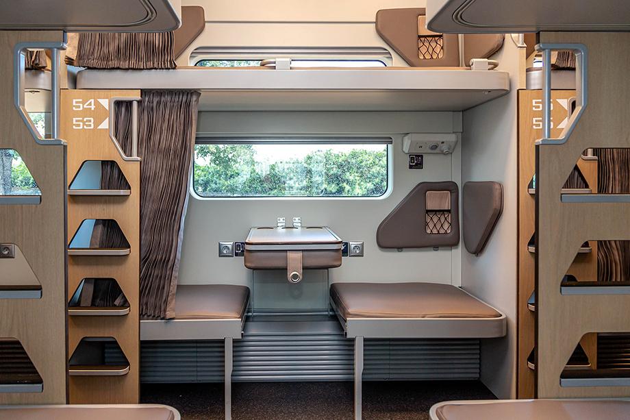В новом вагоне стали длиннее и шире пассажирские полки.
