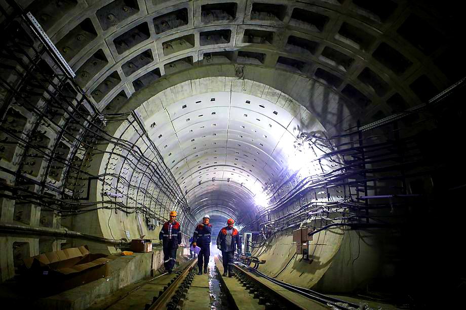 Изменения в бюджете практически заморозили строительство новых станций в Санкт-Петербурге.