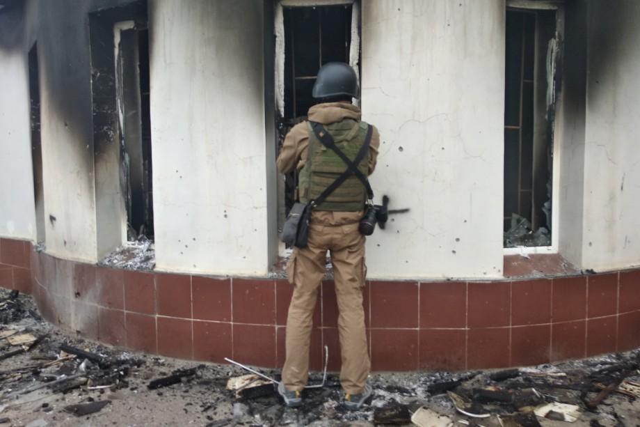 В Степанакерте разрушены гражданские объекты.