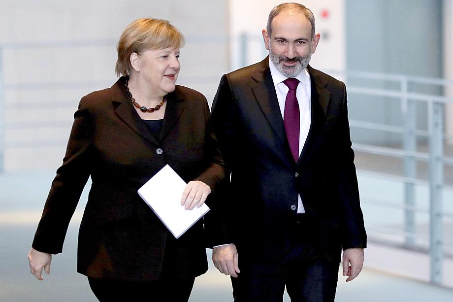 Пашинян, придя к власти, стал активно развивать отношения с Западом.