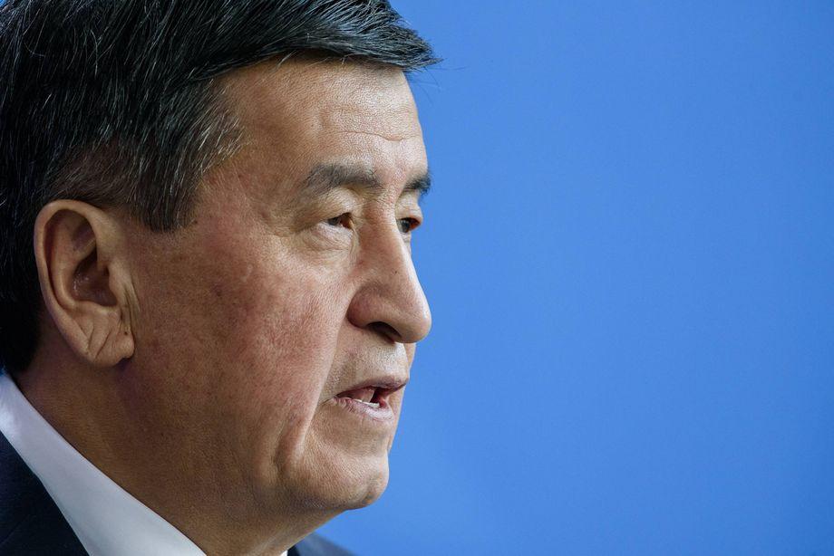 Сооронбай Жээнбеков 9 октября подписал указ об отставке правительства республики.