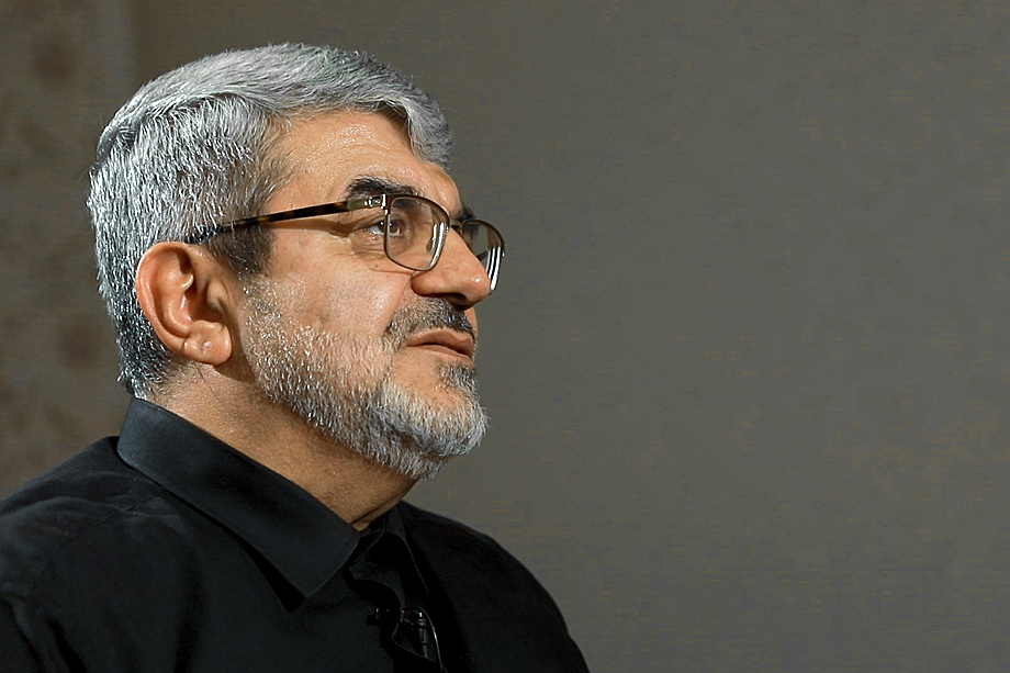Командир Корпуса стражей исламской революции Рагим Нойе Егдам принимал участие в первой карабахской войне на стороне Азербайджана, за что получил из рук Гейдара Алиева наградной меч.