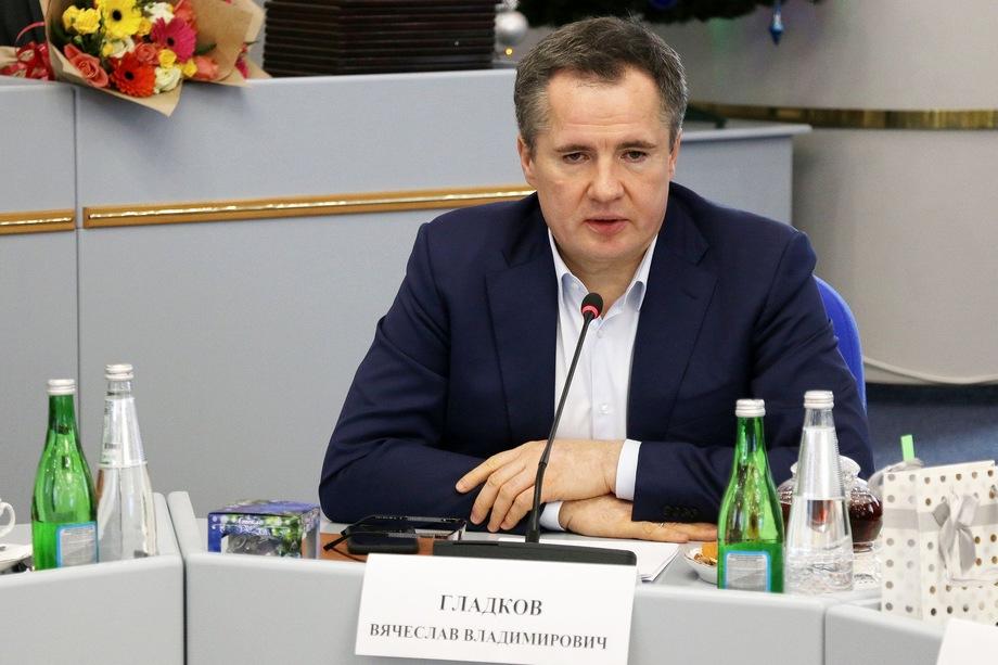 Некоторые считают, что зачистка в губернаторском круге ведётся в интересах зампреда правительства края Вячеслава Гладкова.
