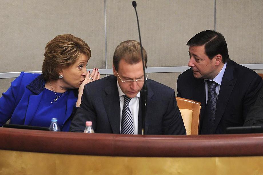 Ещё один протеже Матвиенко (на фото слева) – бывший полпред в СКФО и экс-зампред Правительства РФ Александр Хлопонин (на фото справа).