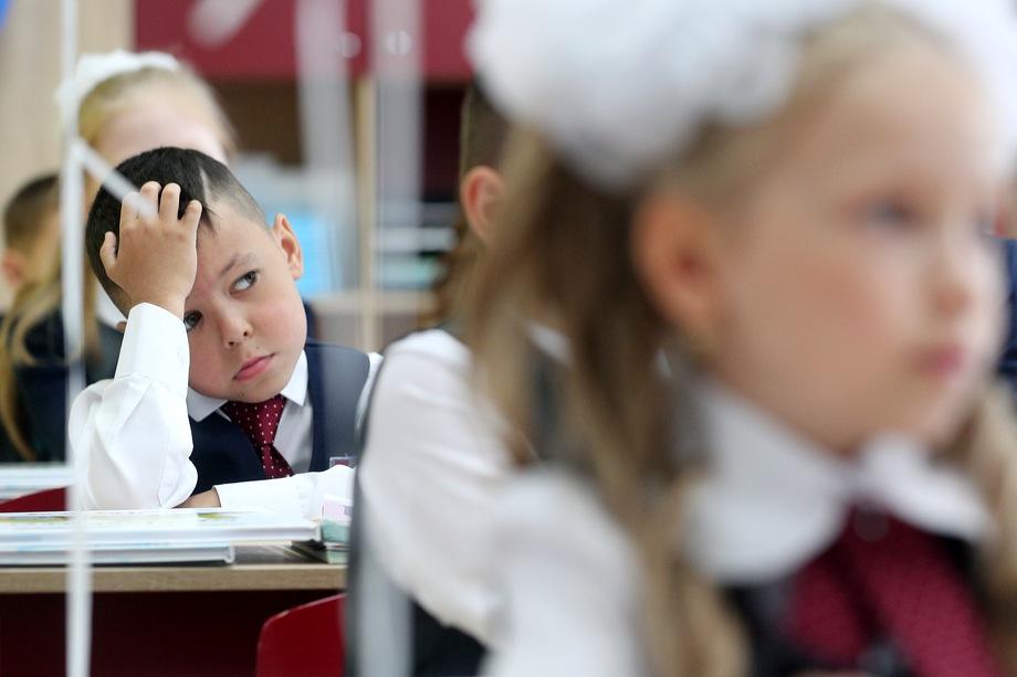 Собянин считает, что решение позволит существенно уменьшить эпидемиологическую нагрузку на образовательные учреждения.