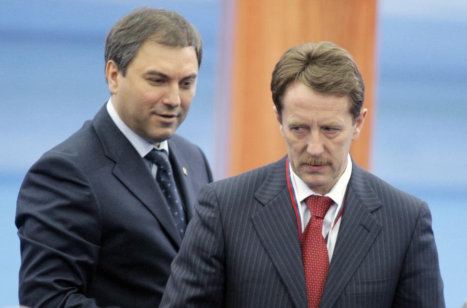 В кулуарах упорно ходят слухи о том, что Кремль сделал ставку на заместителя опального Володина (на фото слева) – Алексея Гордеева (на фото справа).