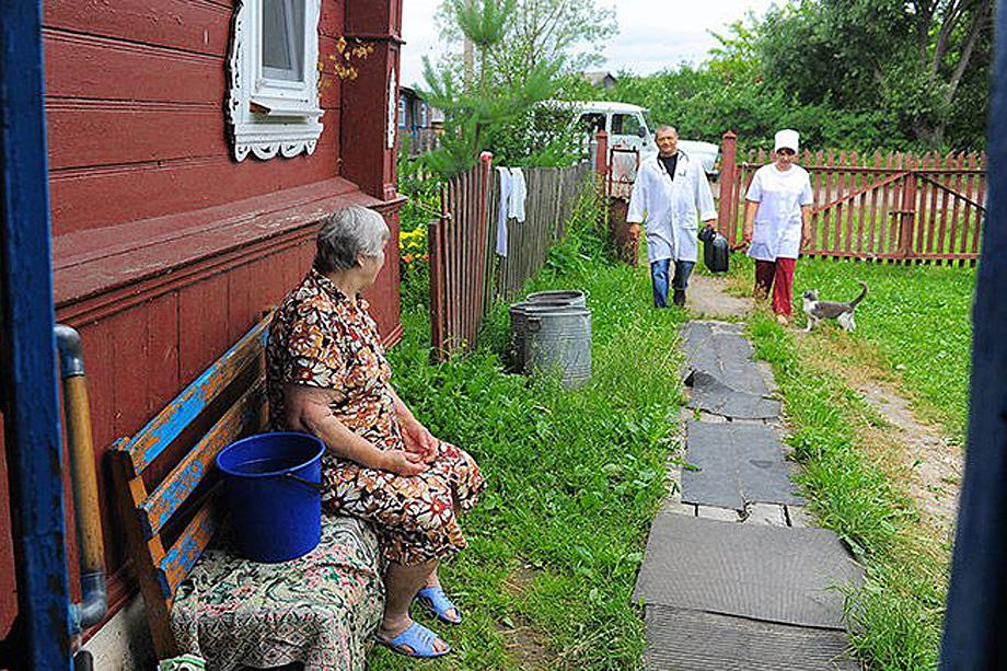 По программе «Земской доктор» удалось привлечь в Крым около 300 сотрудников.