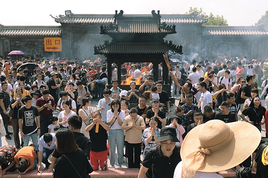 Эпидемиологическая обстановка в Китае позволила даже провести традиционную «Золотую неделю», посвящённую Дню образования КНР и Празднику середины осени.