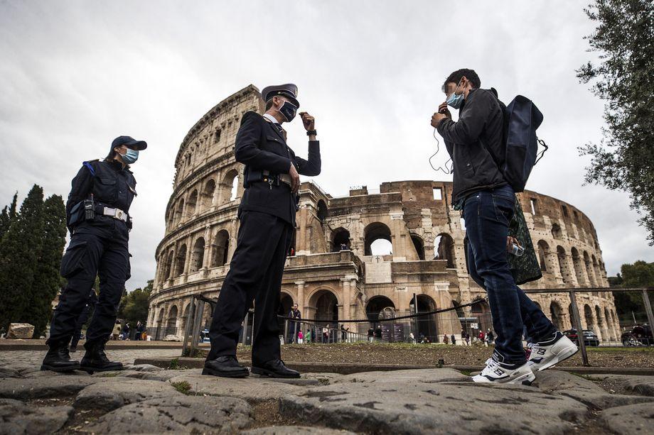 Правительство Италии ужесточило карантинные меры, но не решилось объявить национальный карантин.