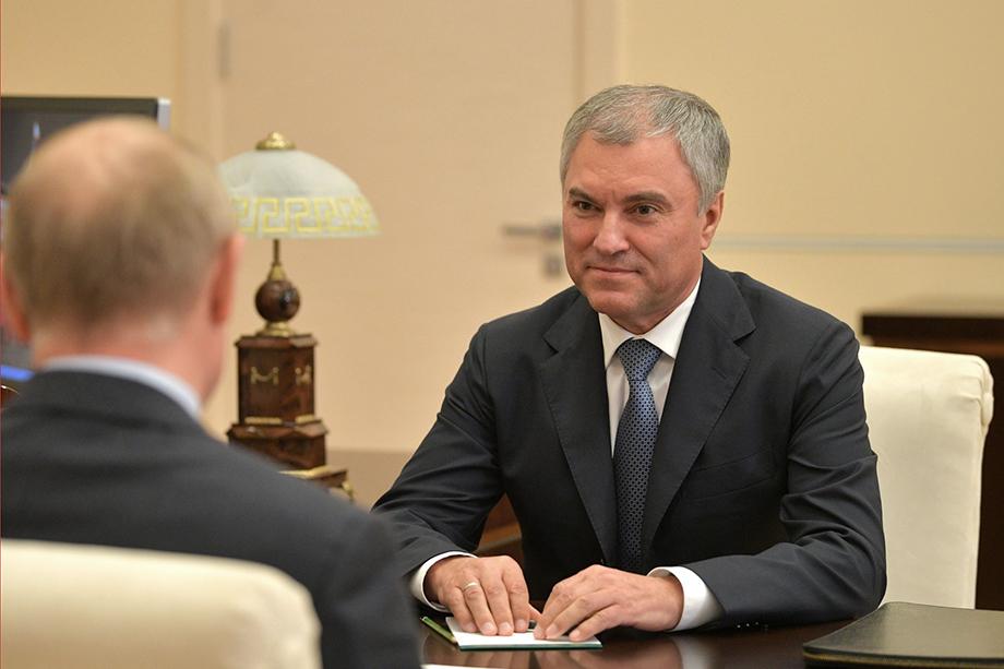 По словам Володина, в больницах сегодня находятся 38 депутатов, ещё один находится в реанимации.