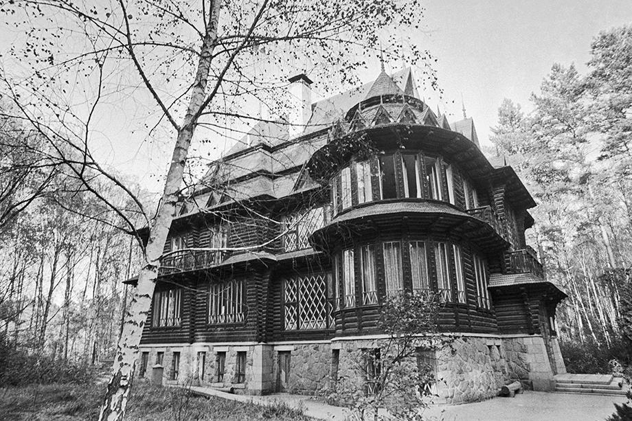 Охотничий домик Хрущёва в природном парке «Залесье». Украина.