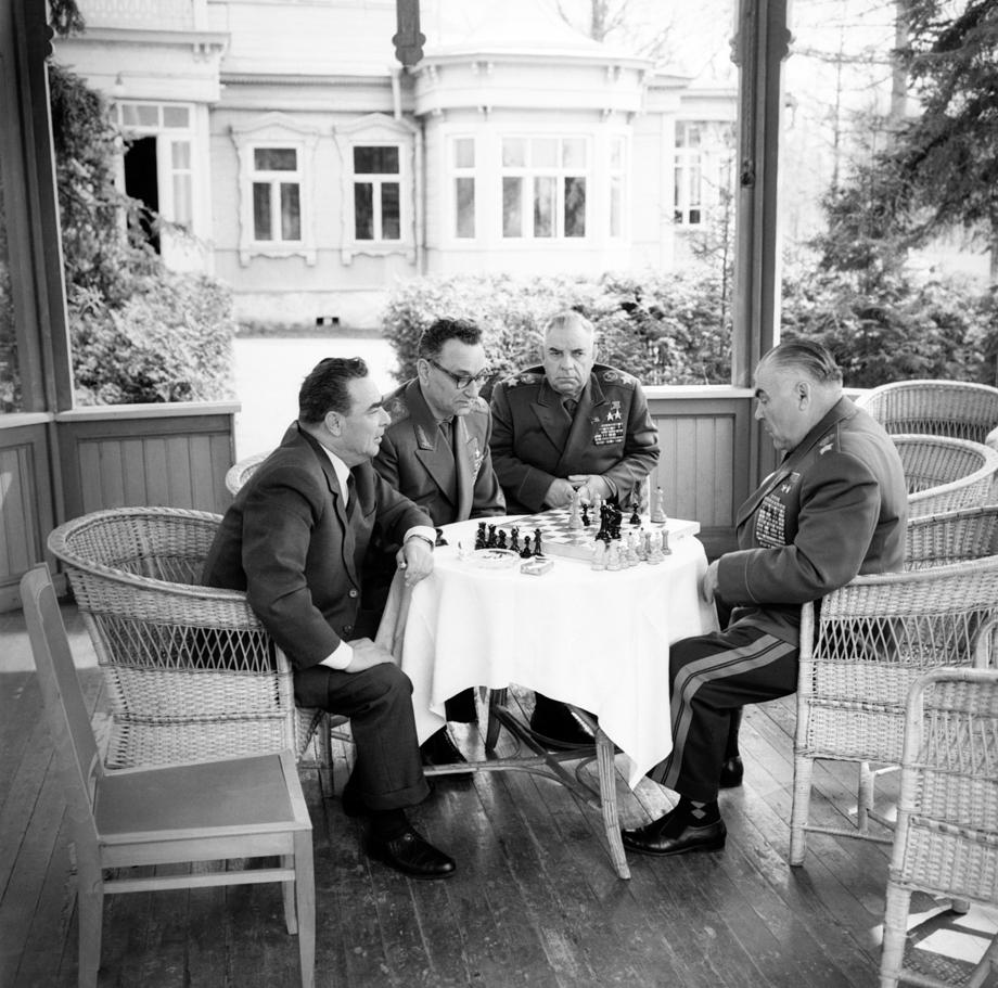 Леонид Брежнев, Андрей Гречко, Николай Крылов и Родион Малиновский (слева направо) в Завидово.