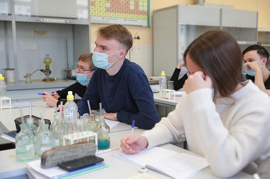 Исключение будет сделано при проведении лабораторных работ на инженерных и естественно-научных направлениях магистратуры и аспирантуры.