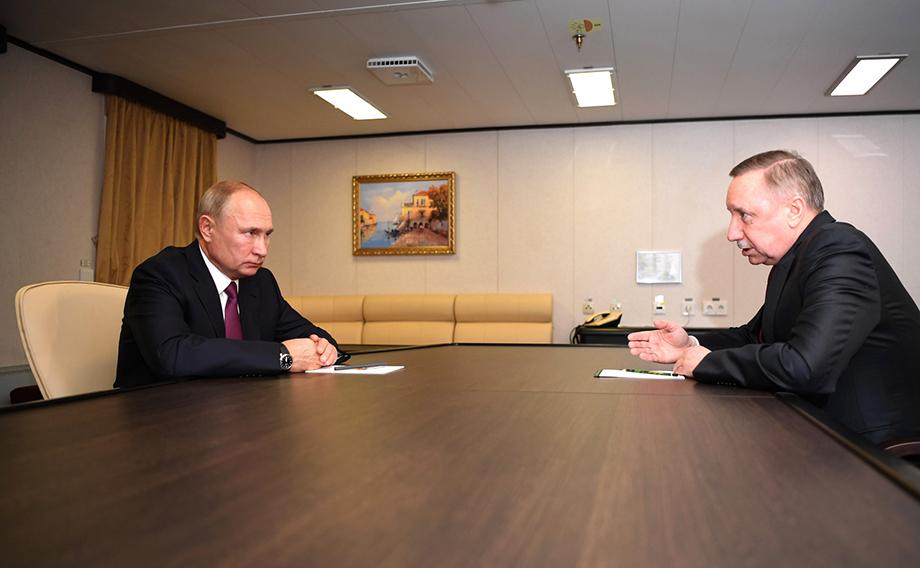 Как рассказал губернатор Санкт-Петербурга президенту, ежедневный порог заболеваемости COVID-19 превысил 900 человек.